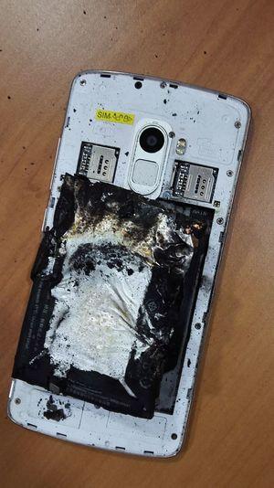 Mobile Phone Burning Plastic Batteryexplode Burnedbattery