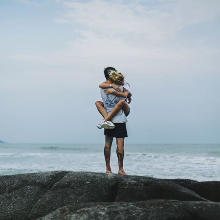 Lovers. Love Without Boundaries Love Nature Ocean View Ocean And Sky People And Places Relationship Hugs & Love  Vsco_hub Vscolove Vscophile Vscogood Vscoartist Lovers And Friends Goodvibes Welcome Weekly