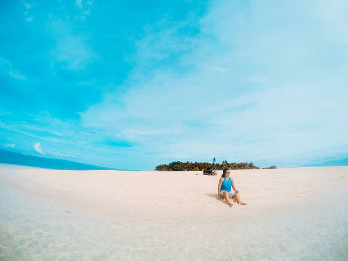 A day in paradise Sand Beach Sky Sea Outdoors Explore The World Lifeofadventure Wanderlust Adventure Neverstopexploring  Nature Getoutside Sommergefühle Lost In The Landscape