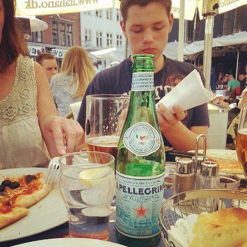 Family Lunch Italian Food Sanpellegrino  Pizza Cappacio Love IT