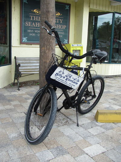 Bicycle Rental Bicyle Bike Cycle Land Vehicle Leaning Mode Of Transport No People Outdoors Parked Parking Parking Lot Rental Stationary