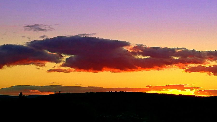 Sunset Red Nature Dramatic Sky Social Issues Silhouette Beauty In NatureBeauty In Nature Composicion No People Mountain Outdoors Landscape Natural Phenomenon Sky Night Landscape_photography landscape Nature photography Landscapes Chumbea Atardecer