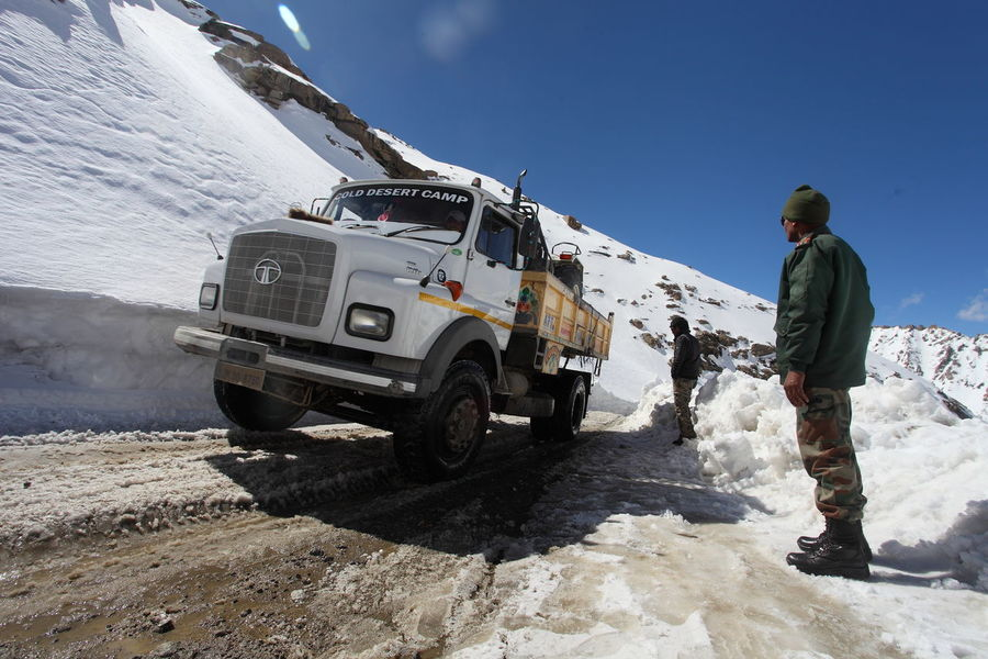 Cold High Altitude India Indian Indian Army Jammu And Kashmir Khardung La Khardung Pass Khardung T Khardungla Khardzong La Ladakh Leh Nubra Shyok Snow Snow Covered Top