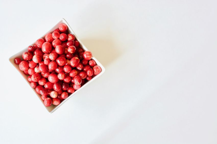 EyeEm Selects Isolated White Background Isolated Red Berries Organic Organic Food Tastyfood Healthy Lifestyle Ready-to-eat Close-up Freshness Sweet Food Indoors  Bowl Healthy Eating Fruit Red White Background Cranberry Berry Food Food And Drink No People Beauty In Nature Beauty