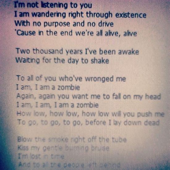 Zombie Tekst Piosenki Theprettyreckless taylor momsen rock love