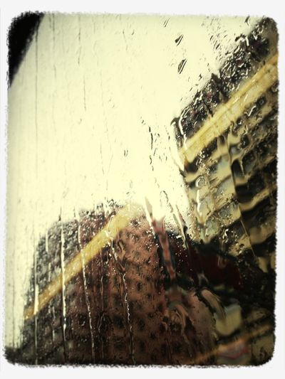 有冇帶傘呀?