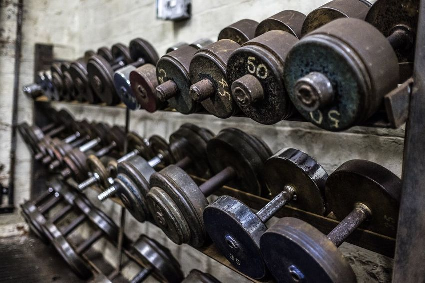 Old school dumbbells Dumbbells Weights Gym #aesthetics #physique #bodybuilder #bodybuilding #fitness #intermitentfasting #instafit #instamood #instagood #instagramhub #instagramfitness #musclephotos #muscleleague #jacked #beastmode #ripped #shredded #swole #swoldier #inspiration #fitness #a