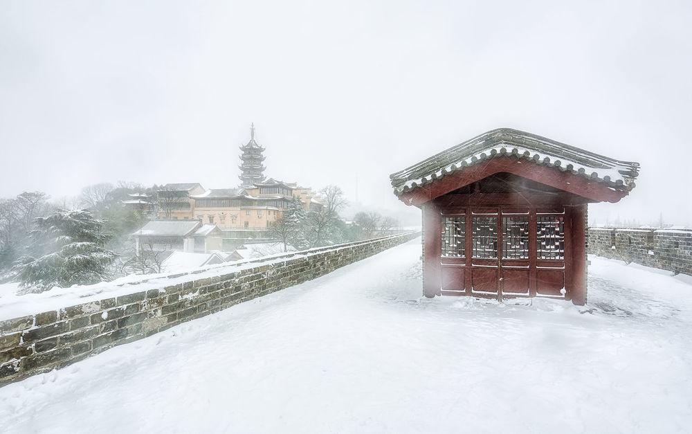 雪中古刹 Built Structure Cold Temperature Day Frozen Outdoors Sky Snow Snowdrift Snowflake Snowing Weather White Color Winter 南京 古鸡鸣寺 台城书房 旅游