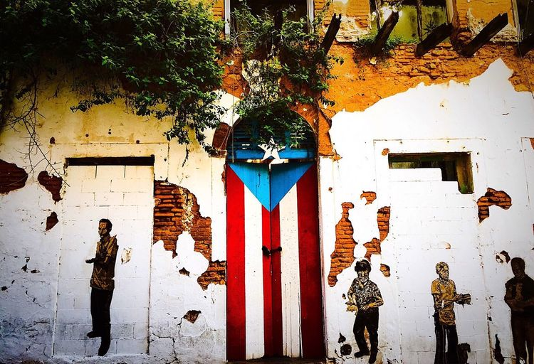 Viejosanjuan Sanjuan Puerto Rico Turismodepuertorico Discoverpuertorico Puertoricotourism Meganvazquezphoto Prphotoproject Graffiti Streetphotography