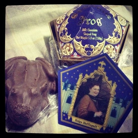 My first chocolate frog experience!!!! Thank you @erikakei! :) Harrypotter Mischiefmanaged Always HelgaHufflepuff