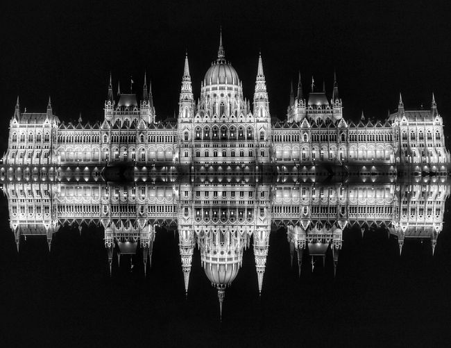 Hungarian Parlaiment Hungary Parlament Symmetry HUAWEI Photo Award: After Dark