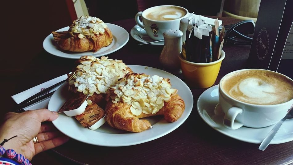 Taking Photos Croissants Relaxing Nice Coffees Enjoying Life Awesome_shots Yummy! Hanging Out