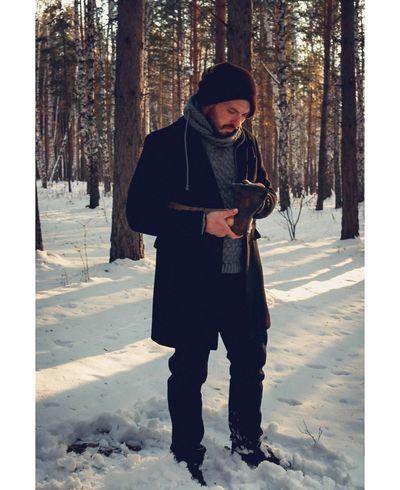 Человек с топором фотограф фотопроект Фотосессия маньяк красноярск сибирь Россия зима мужчина