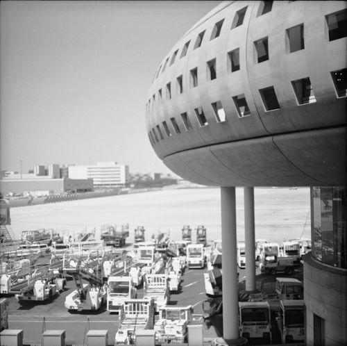 Black & White Aeroport Charles De Gaulle Paris Traveling Pentacon Six TL - Kodak T-Max 100