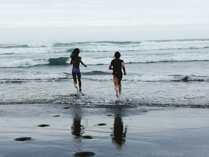 Beach Two People Friendship Sea Outdoors Wave Bethell's Beach New Zealand Auckland New Zealand Natural Auckland New Zealand Wet Ocean❤