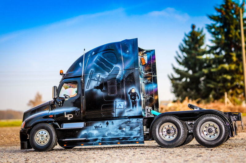 ArtWork Cascadia Airbrush Freightliner Mode Of Transport No People Outdoors Sky Tamiya Transportation Truck Trucks