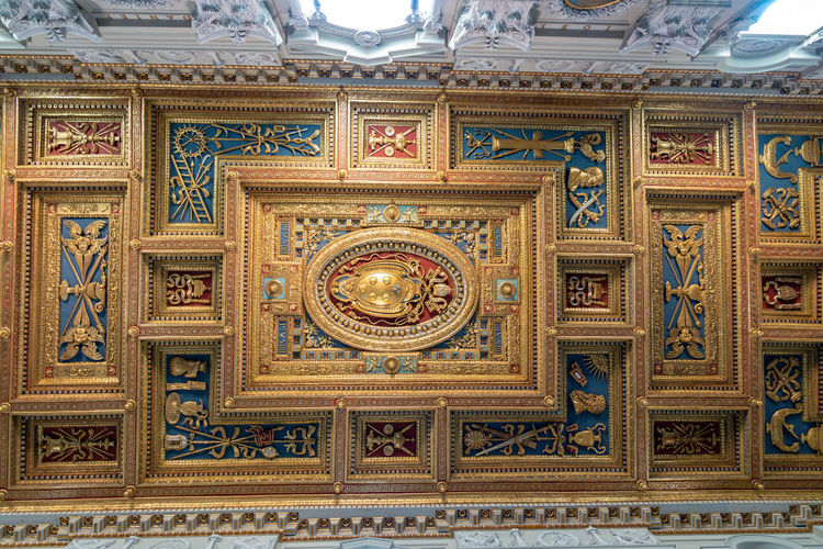 Art And Craft Craft Pattern Ornate No People Design Indoors  Ceiling Architecture Low Angle View Decoration The Past Gold Travel Destinations History Built Structure Creativity Gold Colored Religion Building Luxury Gilded Mural Architecture And Art