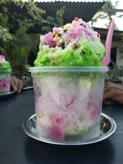 🍧 | M A L A Y S I A | Local desserts are the best ! Ais Batu Campur. Tasty Desserts Dessert Time! Water Water Droplets Droplets Mouthwatering Local Food Malaysian Food Ais Batu Campur Enjoying Life Food And Drink Fruit Sweet Food Ready-to-eat Freshness Day Close-up