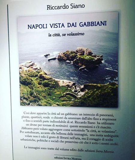 Mostra fotografica Feltrinelli Napolivistadaigabbiani Napoli Foto spettacolari mai viste prima Puntidivista Lookdifferent
