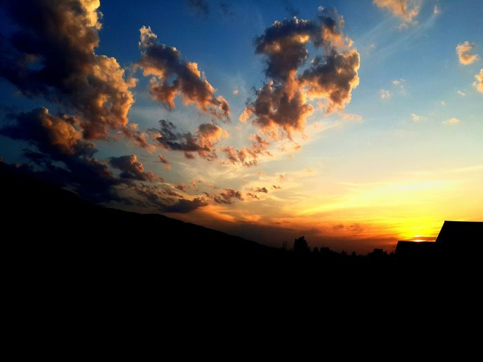 Sky Outdoors Cloud - Sky Nature Beauty In Nature Sunset Mountain Scenics