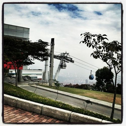 MetroCable Nice Day Clouds