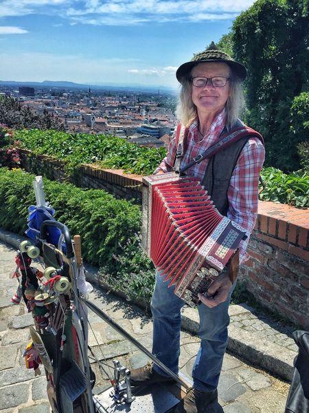 Schlossberg Graz Streetmusician Styria