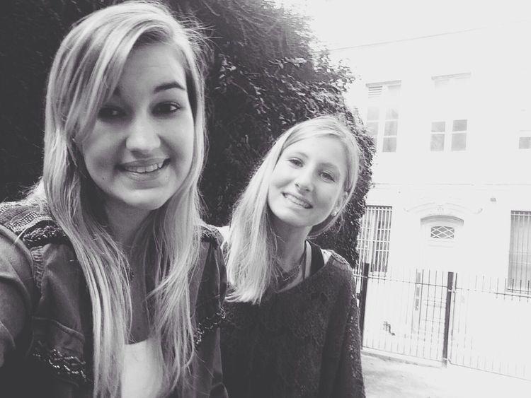 Dude Friend Blond Girls ✌
