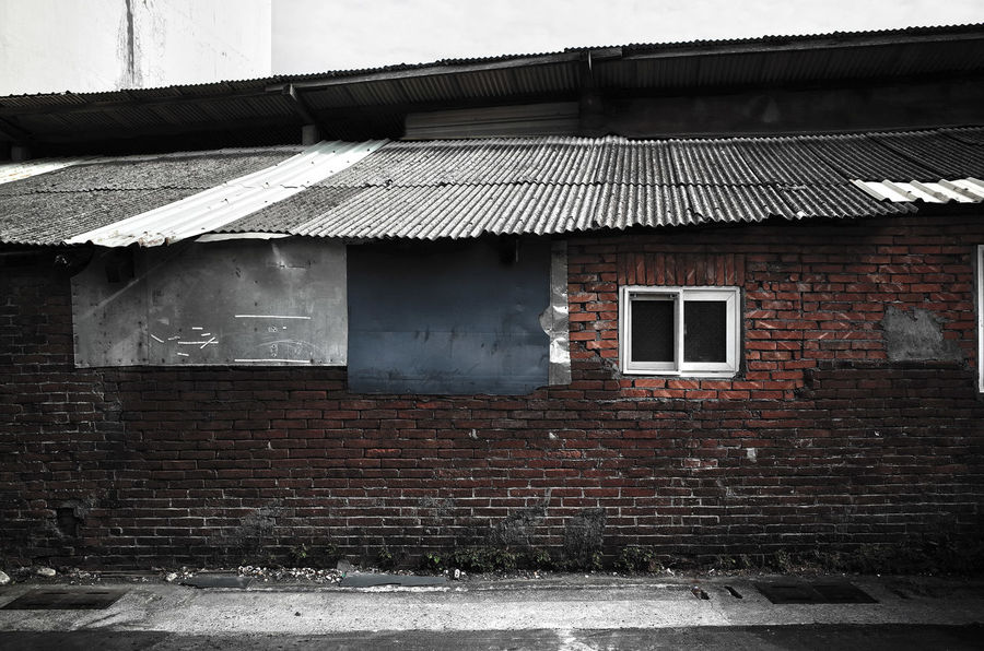 Abstract Balance Brick Wall Building Exterior Built Structure EyeEm Taiwan Getting Inspired House No People Obsolete Old Pattern Residential Structure Roof Uneven Use Your Imagination Wall