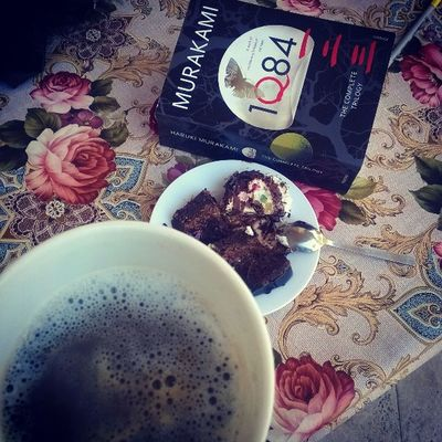 Friday fun day ❤📚 Coffee 1Q84 Caprice Snickers