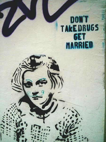 Notes From Berlin No Drugs Get Married Streetart Urban 4