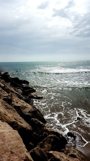 Sitges Barcelona España Sitges Meeresrauschen Strand Wellen Wasser Meer In Gedanken