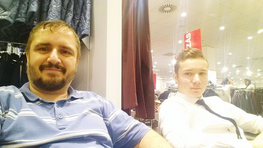 Shoping...😊 Portrait Two People Fatherandson Familly Shoping😊👍👟👕