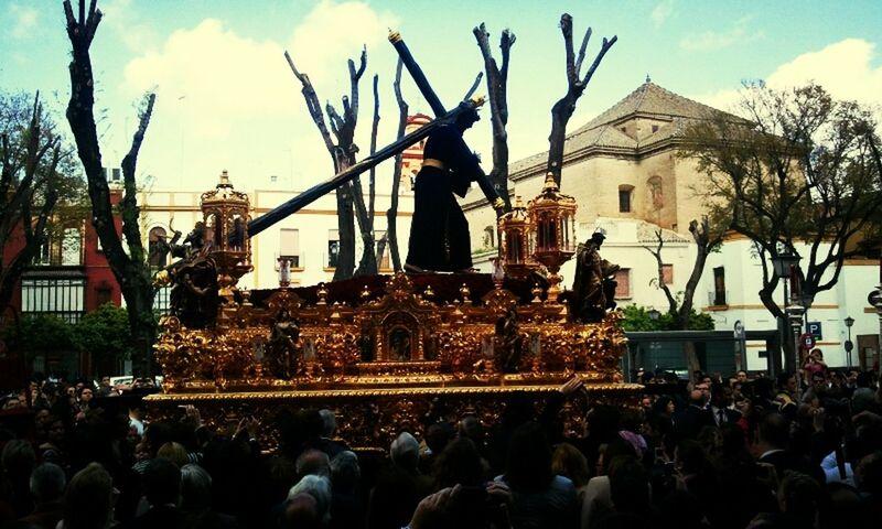 El Cristo de la Salud ya busca su templo. #SSanta13 Sevilla Seville Semana Santa Sevilla 2013