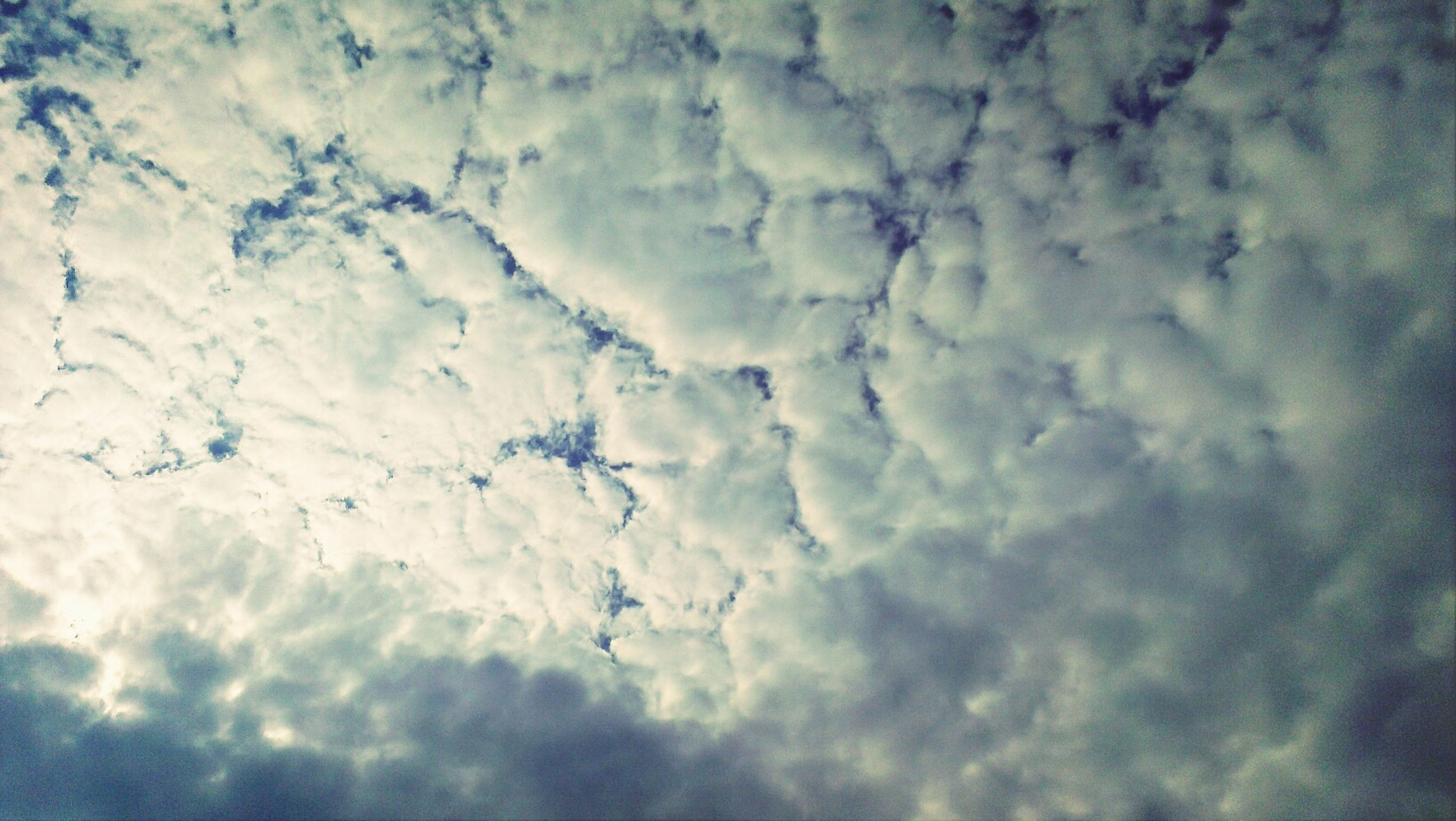 cloud - sky, sky, weather, cloudy, full frame, backgrounds, low angle view, nature, beauty in nature, tranquility, scenics, cloudscape, cloud, tranquil scene, overcast, sky only, day, season, no people, outdoors
