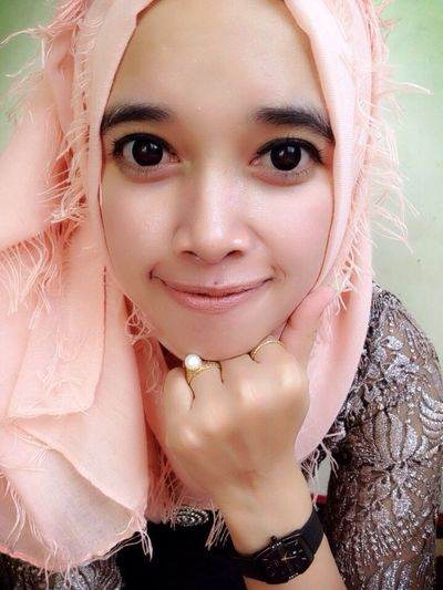 Im A Muslim Looking At Camera Portrait One Person Beauty Perempuanindonesia Gadisbatipuh Hijab Natural Beauty Uniqueness Hijabfashion Cheese! Hijabstyle