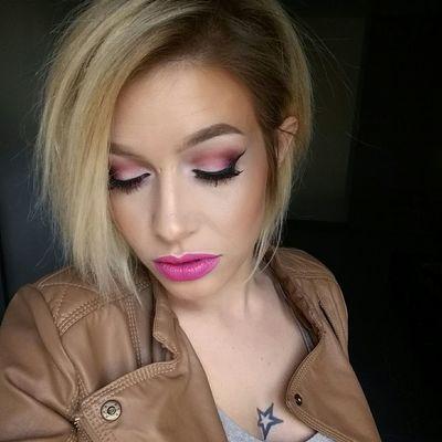 Urbandecaycosmetics Girl Makeupartist Maquillage Wachclaude Pbcosmetics Maccosmetics INKEDGIRL Fashion Model Mode