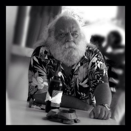 Streetphotography Noel Drinks A Beer. Merry Xmas