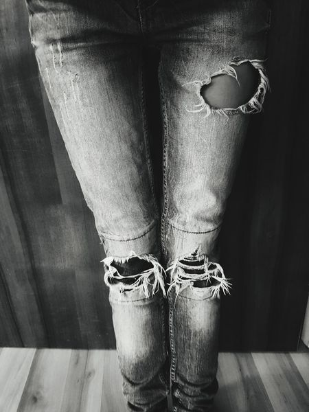 Human Leg Anorexia Only Women Young Women Indoors  Showcase:July Popular Photos Beliebte Fotos Eye4photography  Eyeemphotography EyeEm Best Shots Showcase: July EyeEm Gallery Taking Photos Week On Eyeem EyeEm Best Shots - Black + White Black And White Photography Black&white Black And White Black And White Collection