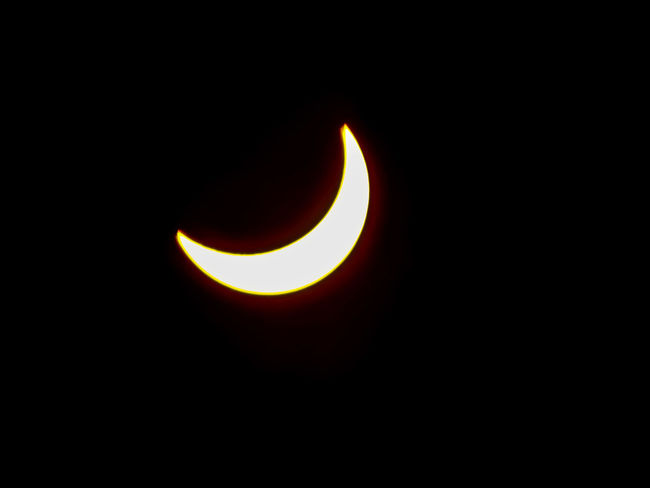 Astronomy Eclipse Space Copy Space Solar Eclipse Natural Phenomenon Scenics Crescent Beauty In Nature Sky Outdoors No People Nature Event Illuminated Solar Eclipse 2017 Astrology Once In A Lifetime Sky Collection Sunlight High Noon Night In Day Outdoor Activities Astrology Sign Black Background