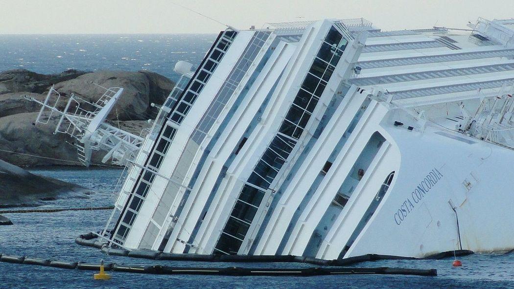 Ships Ship Isola Del Giglio Drowned Costa Concordia