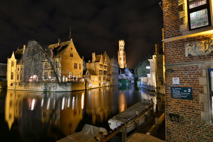 Visiting Brugge Brugge Brugge, Belgium Langzeitbelichtung Long Exposure Reflection Watersideview Building Exterior Architecture Built Structure Illuminated Night Water City Building Sky Waterfront Travel Destinations Nature No People River Residential District Nautical Vessel Transportation Mode Of Transportation Cityscape