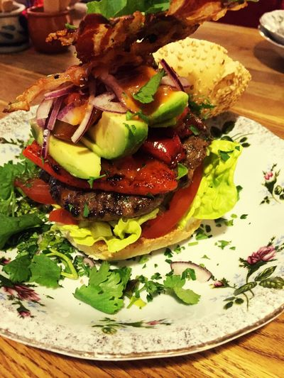 Mexican Organic Hamburger Check This Out Amazing Taste 💕 From Bistro A Gogo Quality Food Enjoy Colour Jalapeños Grilled Peppers Red Onions Coriander Delicious ♡ Food Styling Homemade Amazing Bistro A Gogo