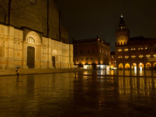 Piazza Maggiore - Bologna Bologna Centre Building Exterior City Night Outdoors Rain Reflection Water