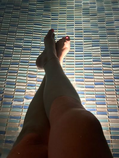 Sintiendo... paz! Human Leg Personal Perspective Human Body Part Mylegs Women Hello World Iphone7 EyeEm Best Shots Contemplating NoEditNoFilter No Edit/no Filter JustMe Me :)  Legs SoyBogotana Soycolombiana Me