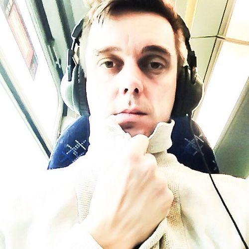 Today's Hot Look Selfie Cardigan Headphones