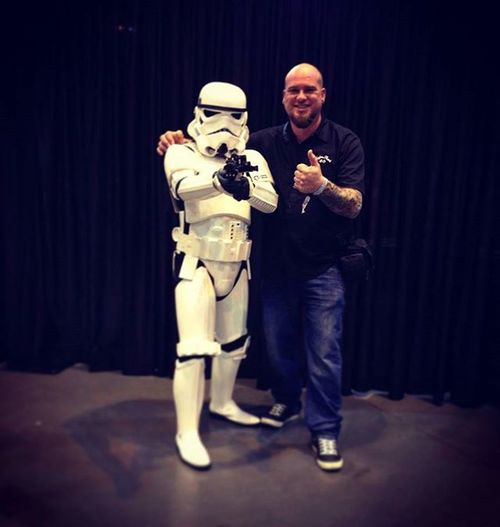 """""""Aren't you a little short for a stormtrooper?"""" 😆Stormtrooper Tattooconvention Tattooshow Starwars ShortArse Short Bigugly Ugly Dickhead"""