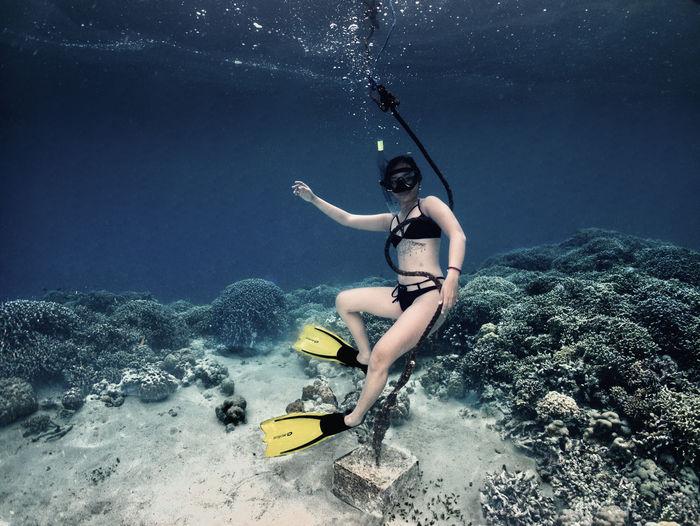 Girl freediver posing