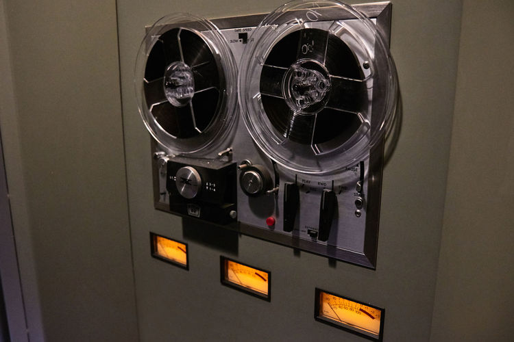 2016 Audio Close-up Glowing Henry Ford Musem Music No People Recorder Reel To Reel Tape Recorder The Magical History Tour Vintage Vu Meter