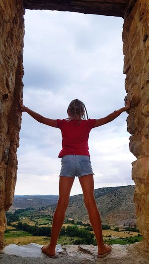 in Albaraccin Upstairs Upstairsview Travel Travel Destinations Sky In The Sky In The Sky So High Young Women Full Length Standing Happiness Front View Sky Hiker Freedom Be Brave My Best Travel Photo This Is Strength
