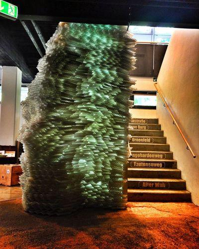 Eisberg & Treppe in der archäologischen Ausstellung Exhibition Stairs Museum
